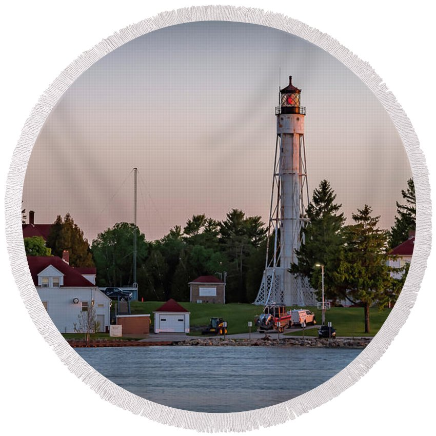 Lighthouse Round Beach Towel featuring the photograph 20-0611-0379 by Anthony Roma
