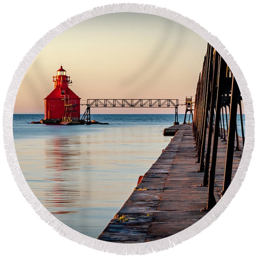 Lighthouse Round Beach Towel featuring the photograph 20-0611-0393 by Anthony Roma