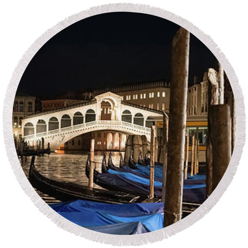 Rialto Round Beach Towel featuring the photograph B0003178 - Rialto And Briccole In The Night, Venice by Marco Missiaja