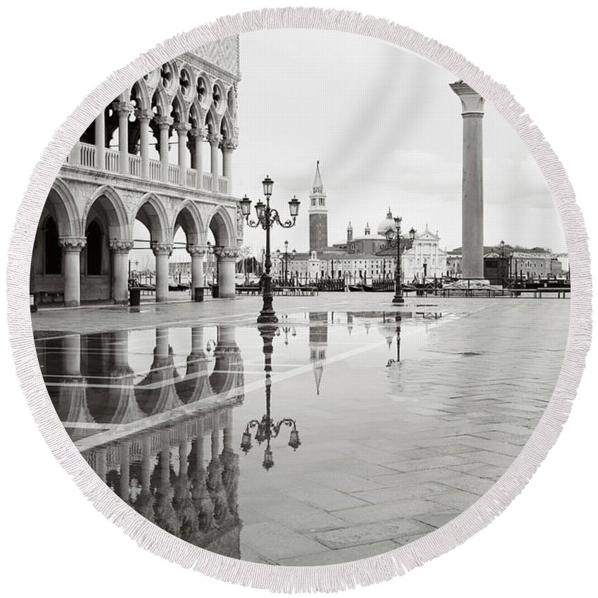 Fine Art Round Beach Towel featuring the photograph Dsc2377bws - Doge's Palace, Venice by Marco Missiaja