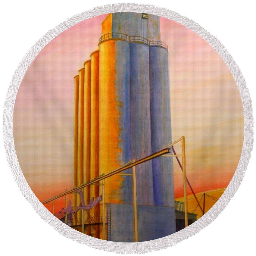 Grain Round Beach Towel featuring the painting Endicotte Silos by Leonard Heid