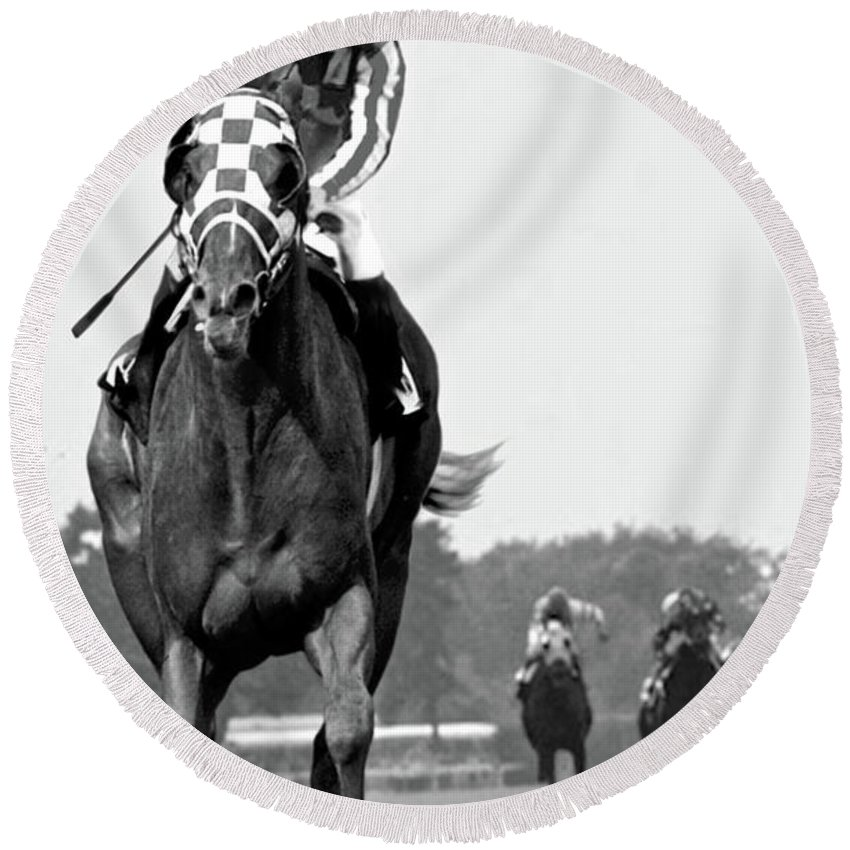 Looking Back Round Beach Towel featuring the painting Looking back, 1973, Secretariat, stretch run, Belmont Stakes by Thomas Pollart
