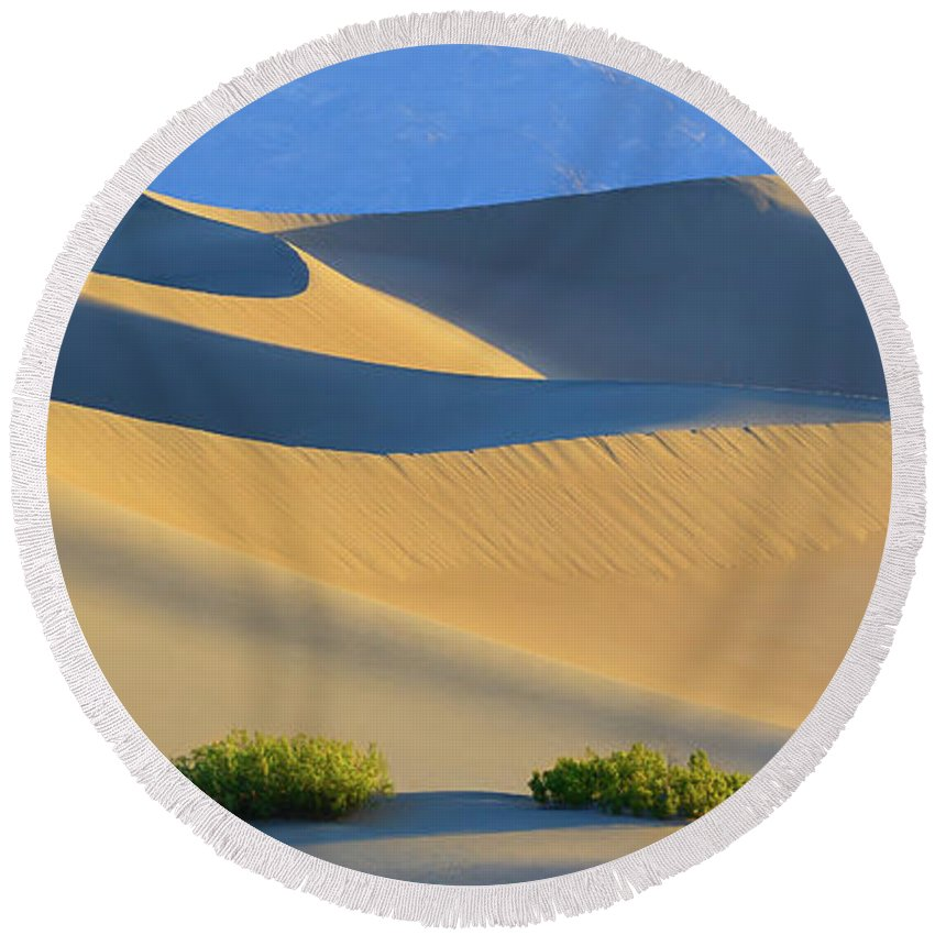 Bush Round Beach Towel featuring the photograph Mesquite Flat Sand Dunes In Death Valley National Park by Henk Meijer Photography