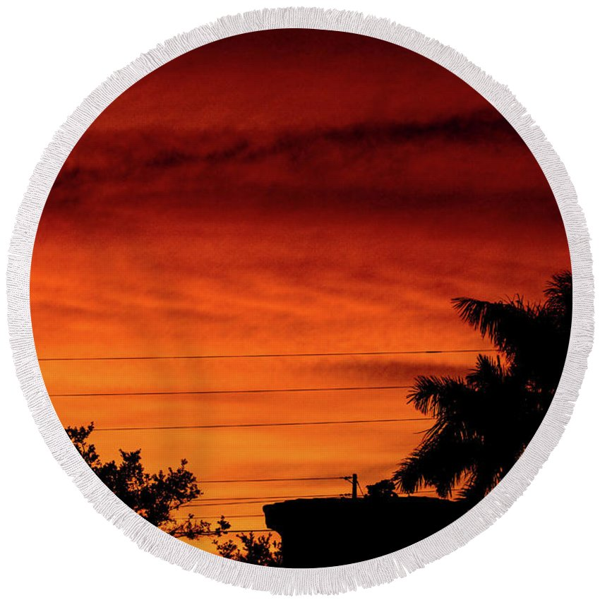 Sunset Round Beach Towel featuring the photograph The Fire sky by Daniel Cornell
