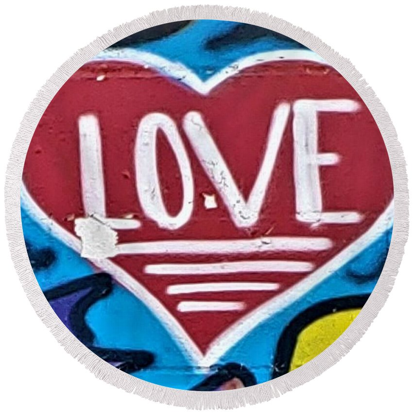 Love Round Beach Towel featuring the photograph Urban Love Heart by Rob Hans