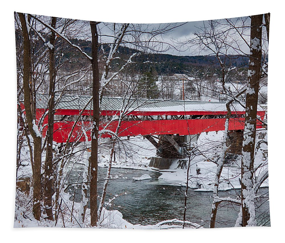 New England Covered Bridge Tapestry featuring the photograph Taftsville Covered Bridge by Jeff Folger
