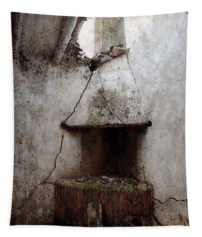 Grunge Tapestry featuring the photograph Abandoned Little House 2 by RicardMN Photography