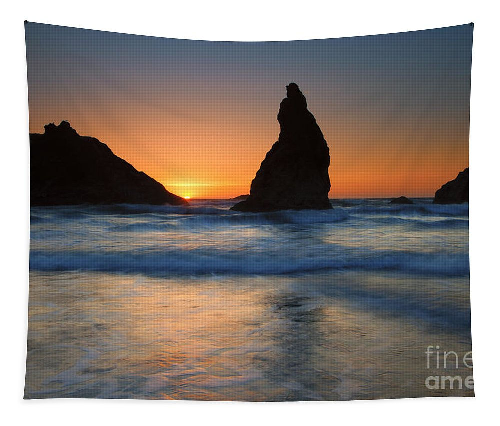 Face Rock Tapestry featuring the photograph Bandon Sundown by Mike Dawson