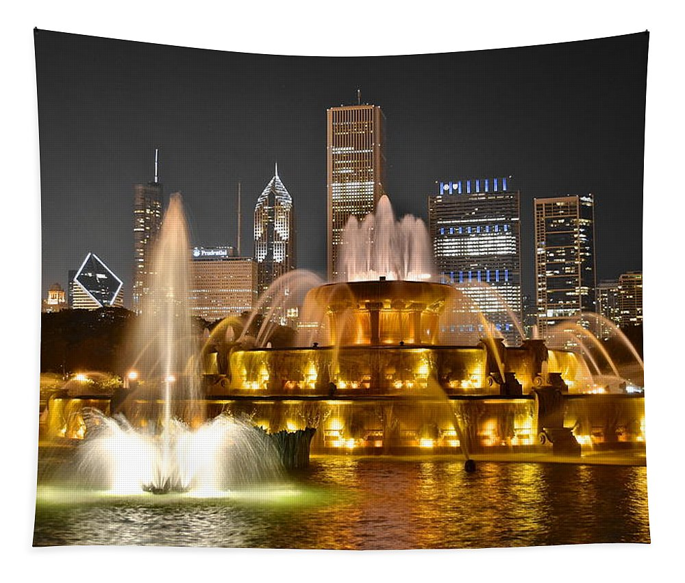 Beauty Tapestry featuring the photograph Buckingham Fountain by Frozen in Time Fine Art Photography