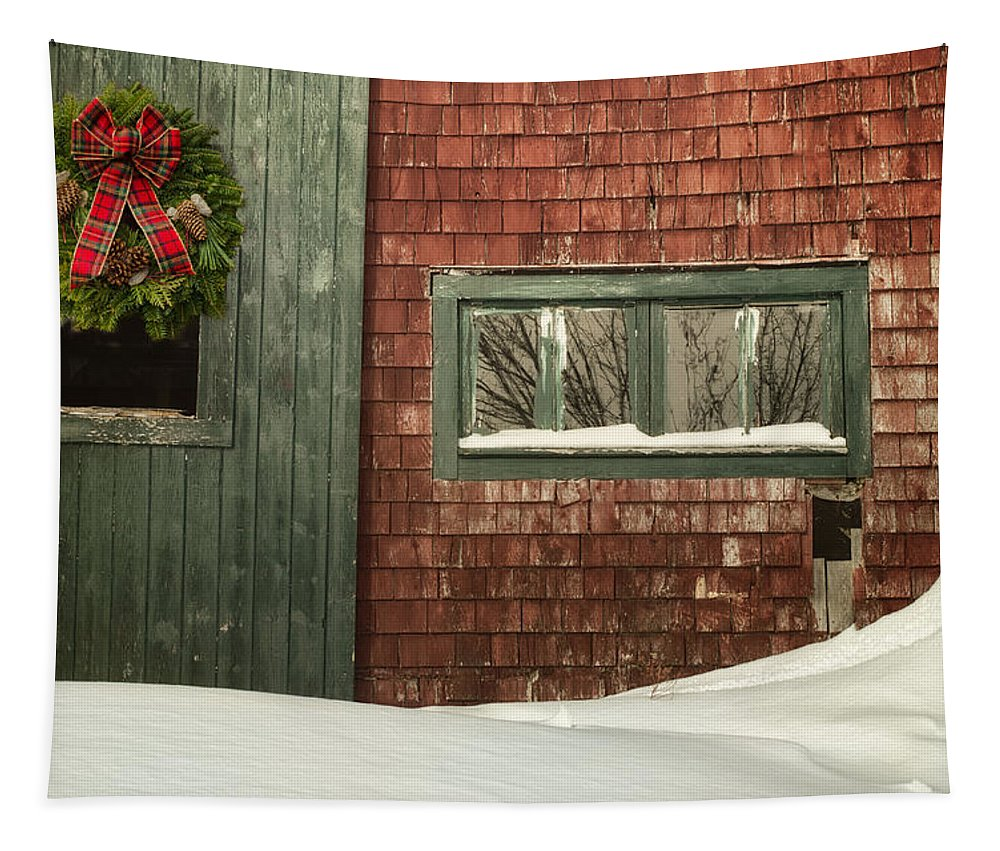 Barn Tapestry featuring the photograph Country Christmas by Susan Capuano