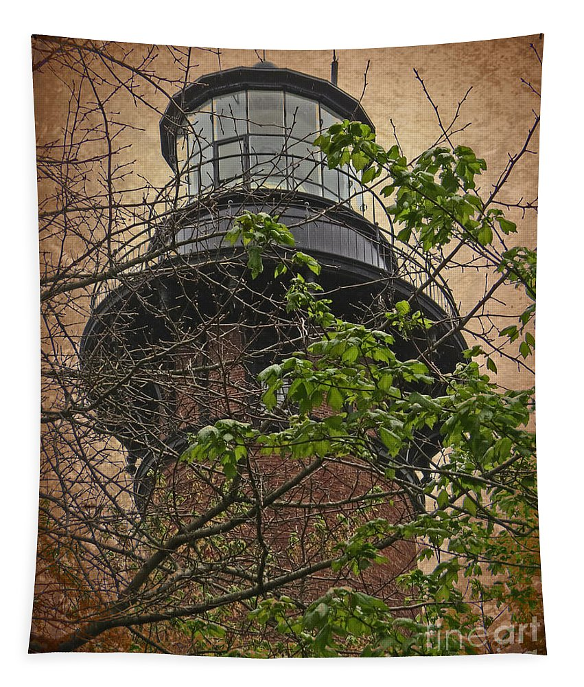 Sky Tapestry featuring the photograph Currituck Light House by Dawn Gari