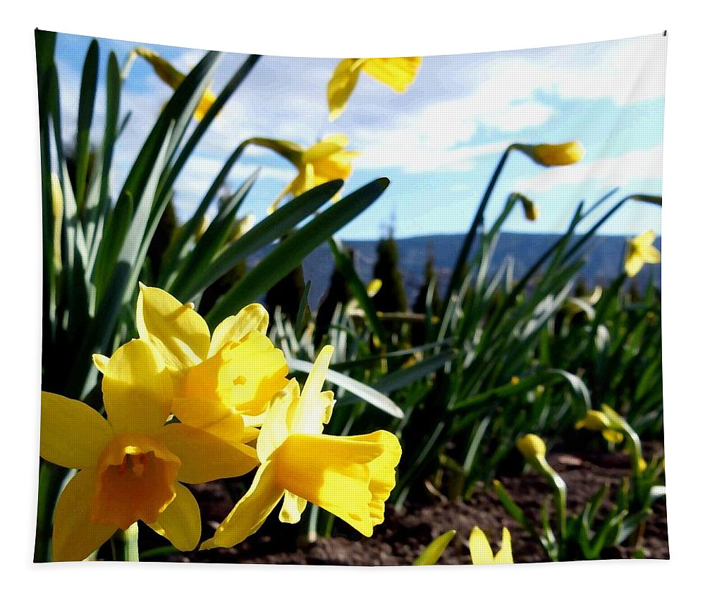 Daffodil Painting Tapestry featuring the digital art Daffodil Painting by Will Borden