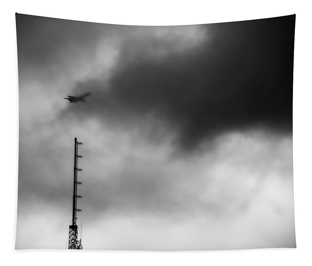 Disappearing Flight Tapestry featuring the photograph Disappearing Flight by Dan Sproul