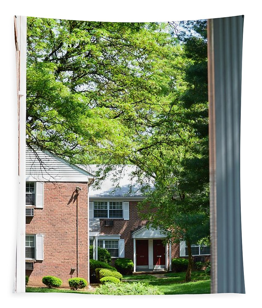 Green Courtyard Tapestry featuring the photograph Entrance To Heaven by Sonali Gangane