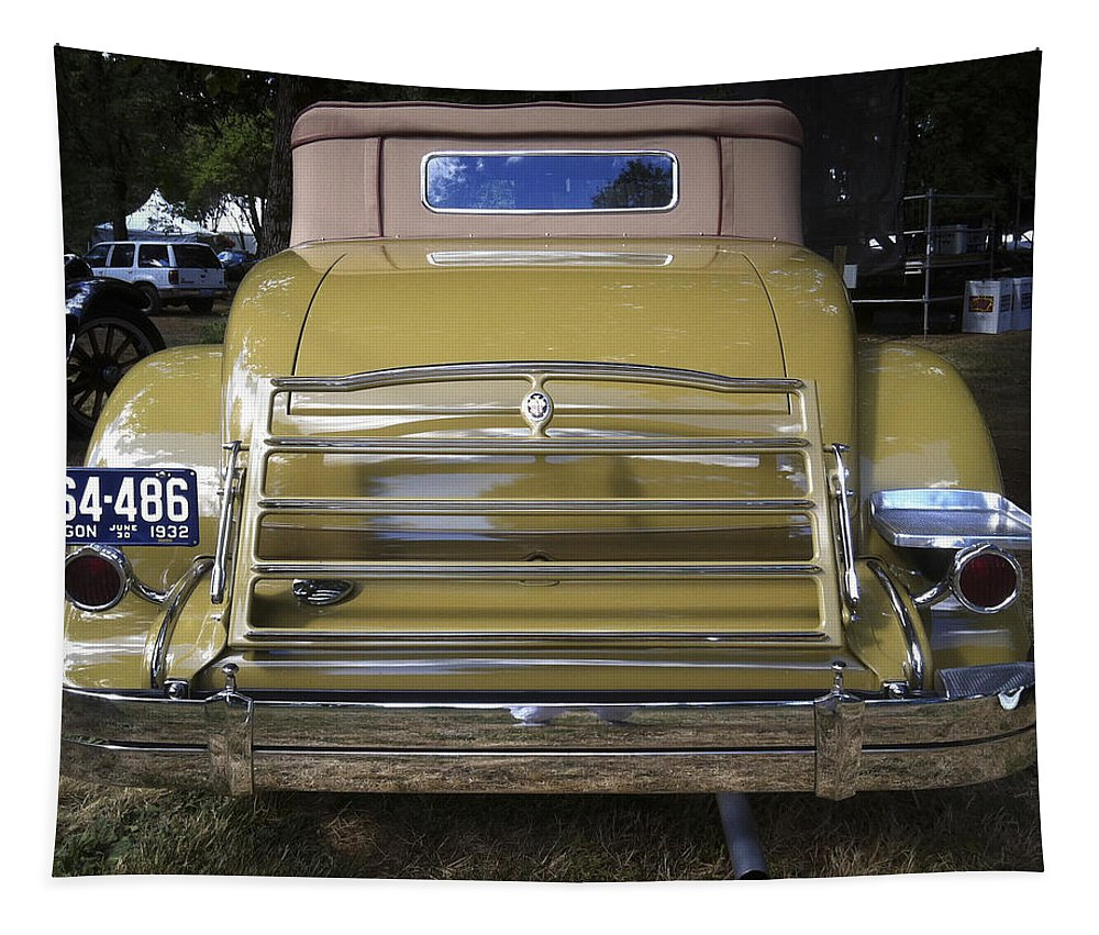 Silver Tapestry featuring the photograph Even The Backside Looks Good by Jean Noren