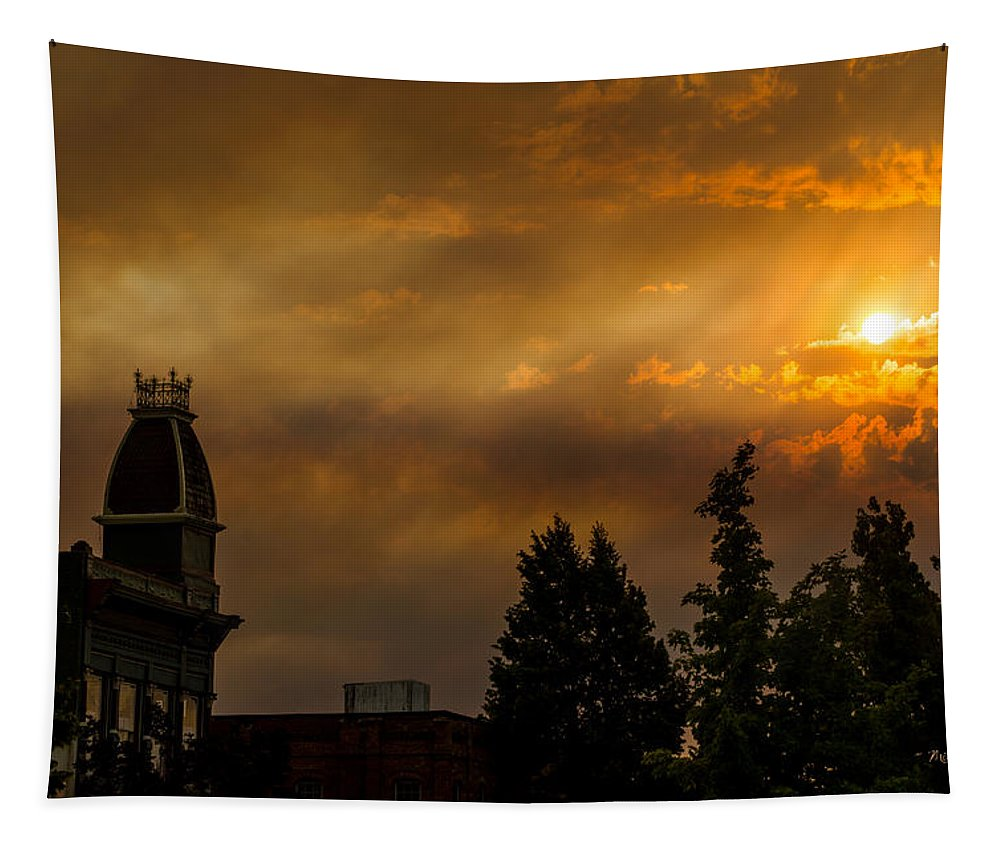 Sunset Tapestry featuring the photograph Firey Sunset Over Grants Pass by Mick Anderson