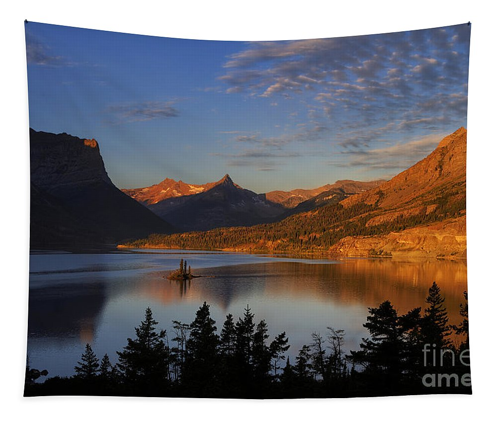 Wild Goose Island Tapestry featuring the photograph Golden Wild Goose Island by Mark Kiver