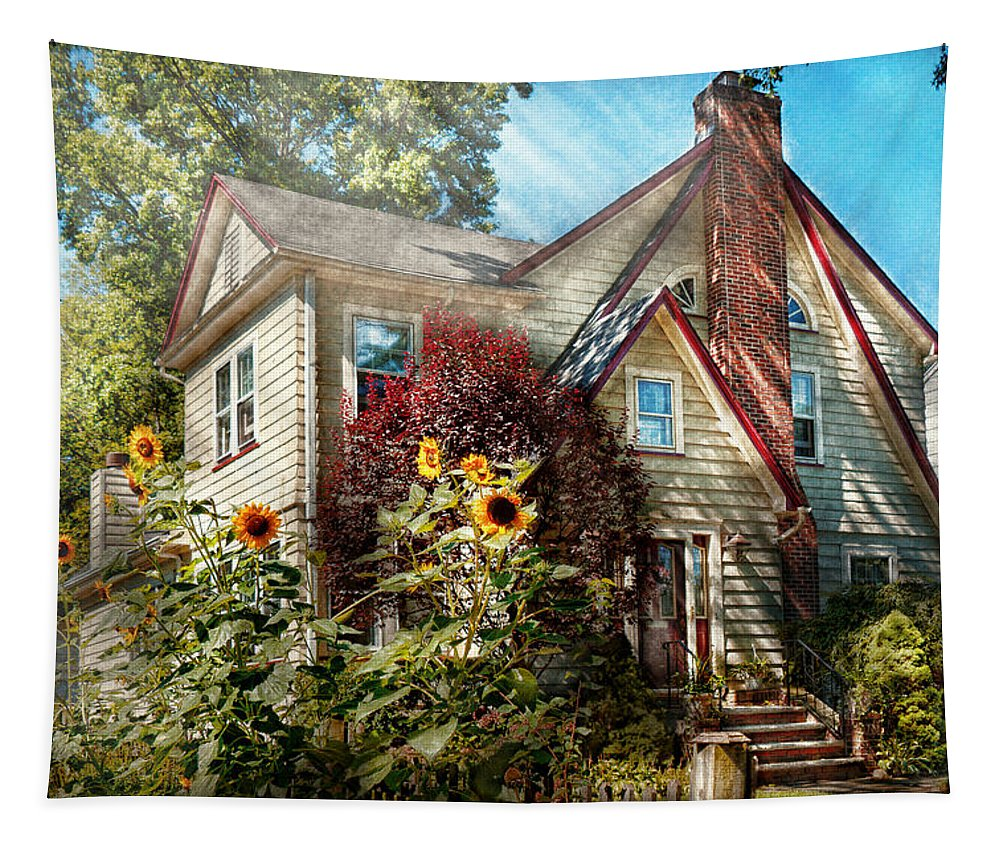 House Tapestry featuring the photograph House - Westfield Nj - The Summer Retreat by Mike Savad