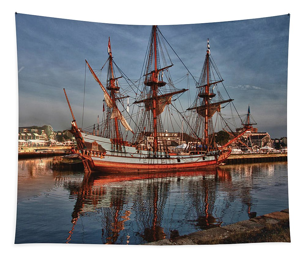 Salem Tapestry featuring the photograph Kalmar Nyckel At Anchor In Salem Ma by Jeff Folger