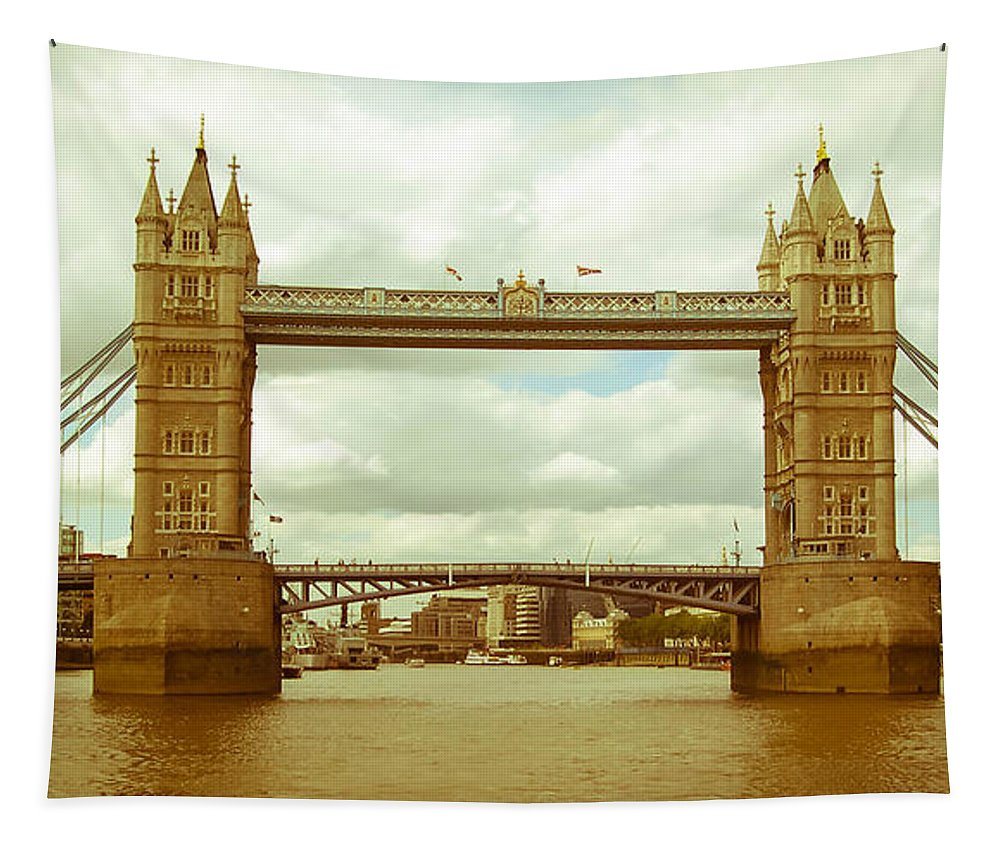 Water Tapestry featuring the photograph London Bridge by Andrea Anderegg