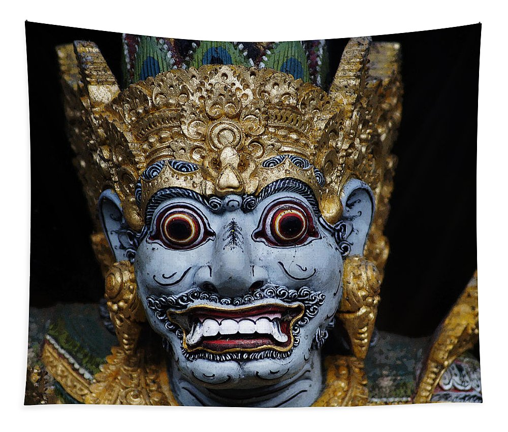 Statue Tapestry featuring the photograph Look At Me by Ben Yassa