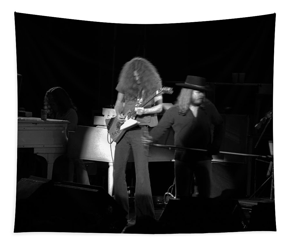Lynyrd Skynyrd Tapestry featuring the photograph Ls Spo #76 by Ben Upham
