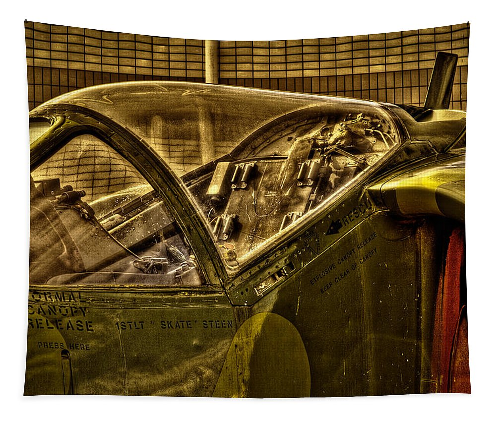 Jet Tapestry featuring the photograph Mcdonnell Douglas Av-ac Harrier by David Patterson