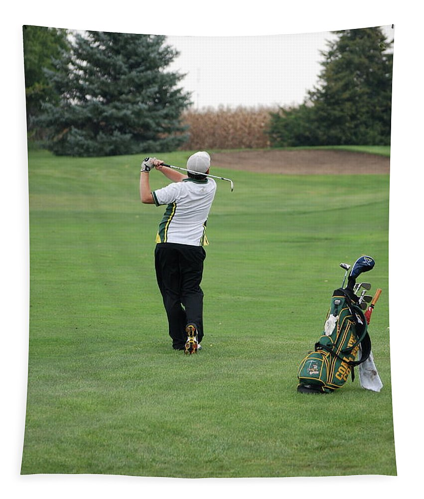 Golf Tapestry featuring the photograph Nice Swing by Thomas Woolworth