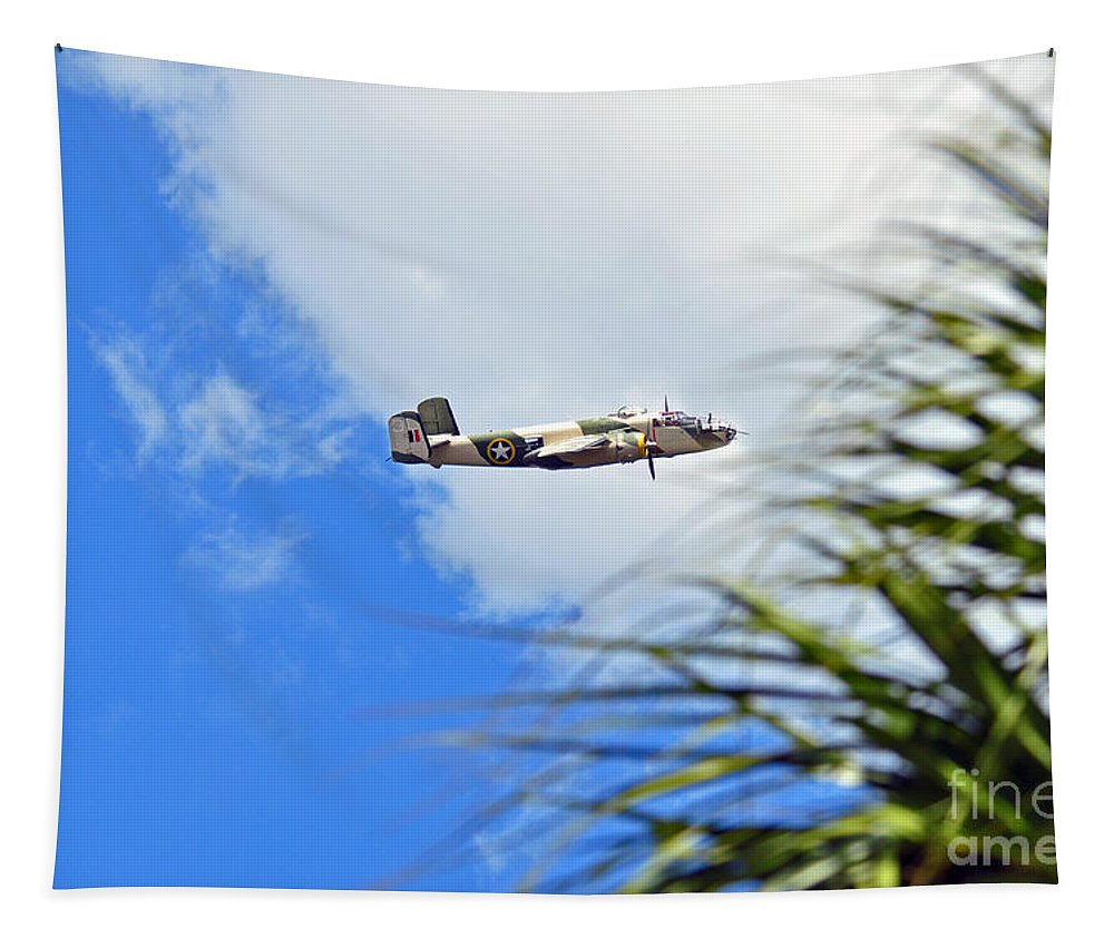 Www.vacwarbirds.org. Tapestry featuring the photograph Palms Waving Hello by Davids Digits