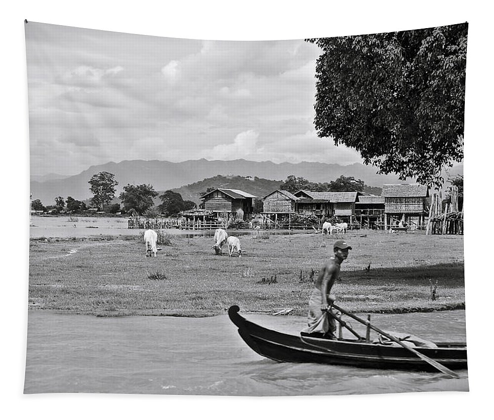 Burma Tapestry featuring the photograph Rowing In The Irrawaddy River by RicardMN Photography