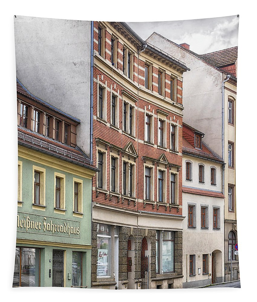 Photo Tapestry featuring the photograph Somewhere In Town by Jutta Maria Pusl