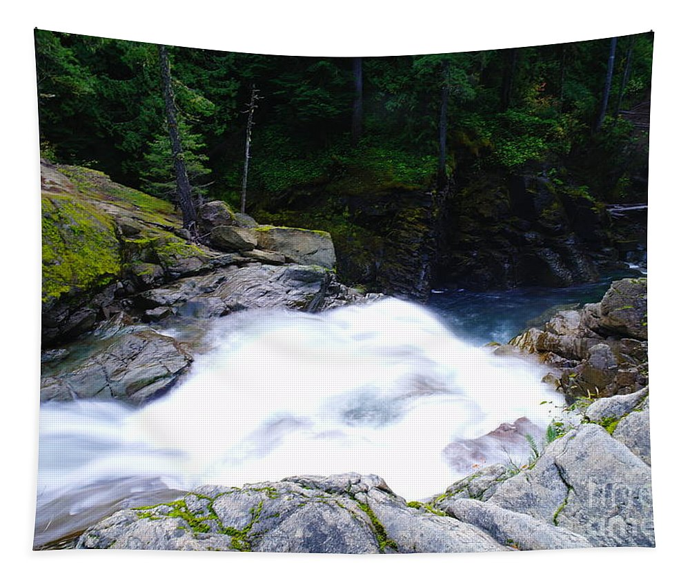Water Tapestry featuring the photograph Streaming Down by Jeff Swan