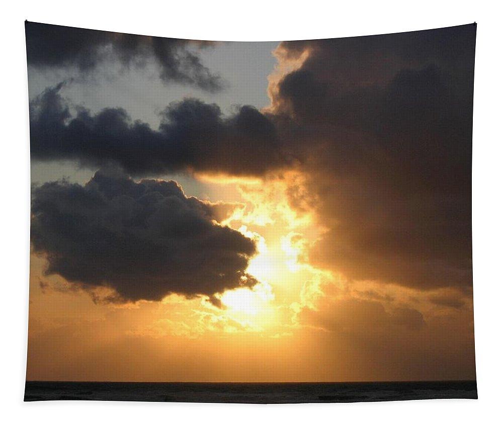 Sundown Supreme Tapestry featuring the photograph Sundown Supreme by Will Borden