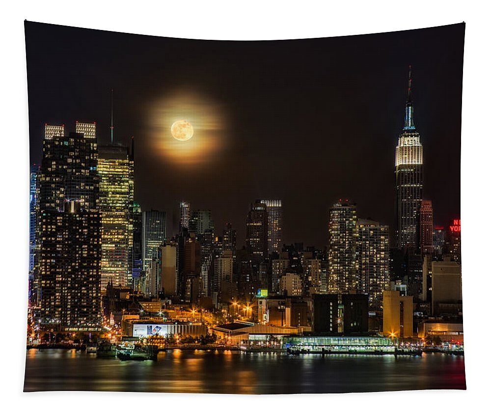 Empire State Building Tapestry featuring the photograph Super Moon Over Nyc by Susan Candelario