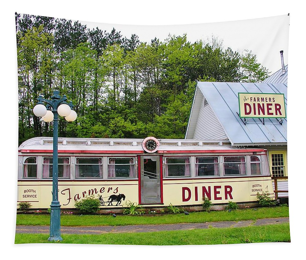 Farmers Diner Tapestry featuring the photograph The Farmers Diner In Color by Sherman Perry