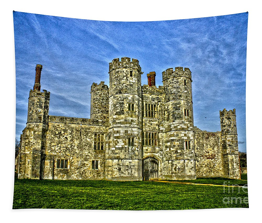 Titchfield Abbey Tapestry featuring the photograph Titchfield Abbey Hdr by Terri Waters