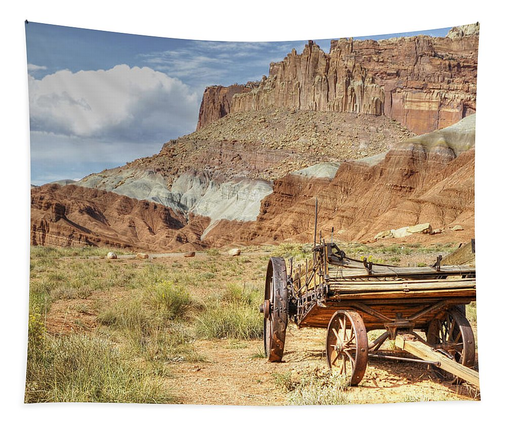Canvas Prints Tapestry featuring the photograph Valley Vista by Wendy Elliott