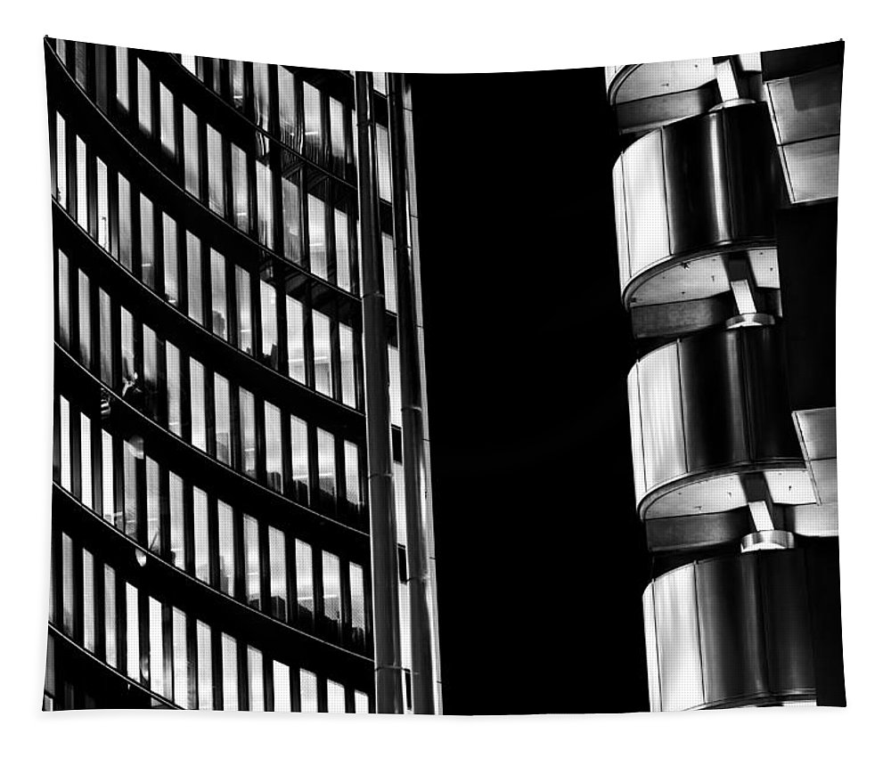Willis Tapestry featuring the photograph Willis Group And Lloyd's Of London Abstract by David Pyatt