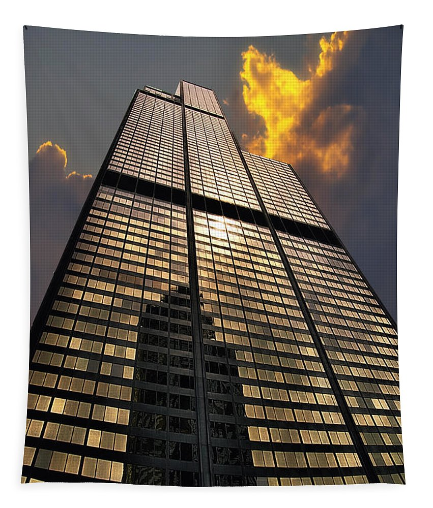 Cities Tapestry featuring the photograph Willis Sears Tower by Thomas Woolworth