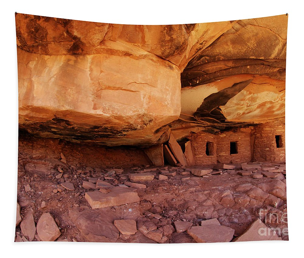 Cliff Dwellings Tapestry featuring the photograph Roof Falling In Ruin Utah by Bob Christopher