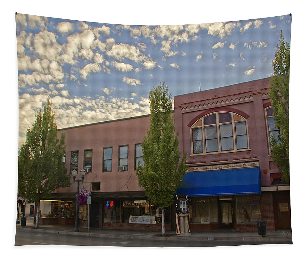 6th Street Tapestry featuring the photograph Along 6th Street In Grants Pass by Mick Anderson
