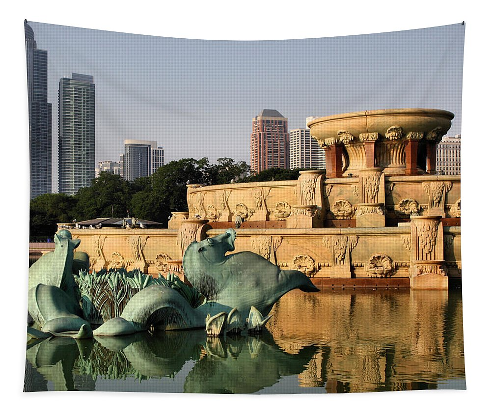 Buckingham Fountain Tapestry featuring the photograph Buckingham Fountain - 3 by Ely Arsha