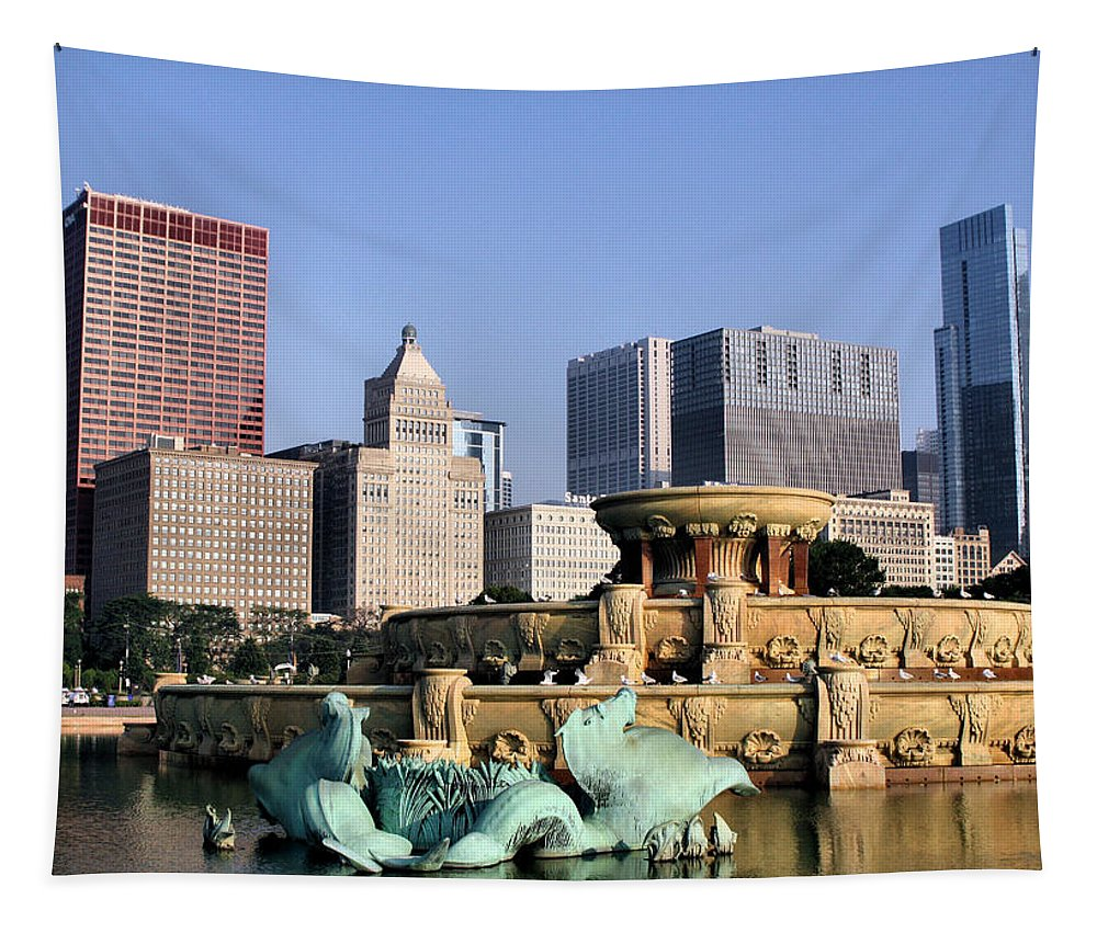 Buckingham Fountain Tapestry featuring the photograph Buckingham Fountain - 4 by Ely Arsha