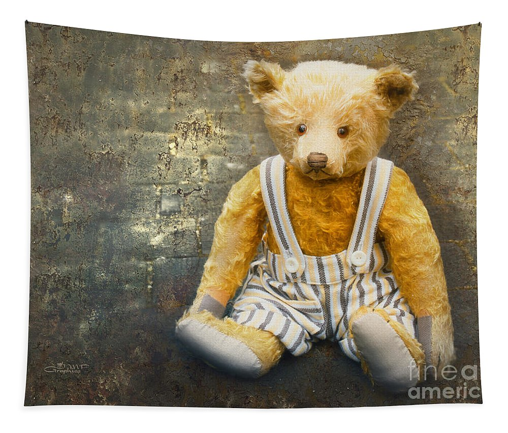 Photo Tapestry featuring the photograph First Friend by Jutta Maria Pusl