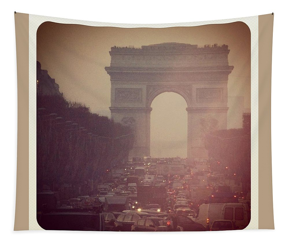 L'arc De Triomphe Tapestry featuring the photograph Instagram Photo - L'arc De Triomphe - Paris by Marianna Mills