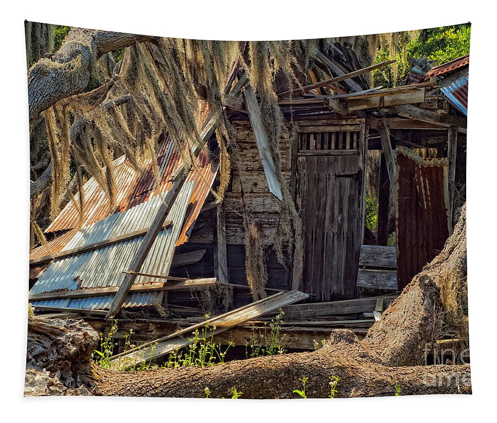 Evergreen Plantation Tapestry featuring the photograph On Evergreen Plantation In La by Kathleen K Parker