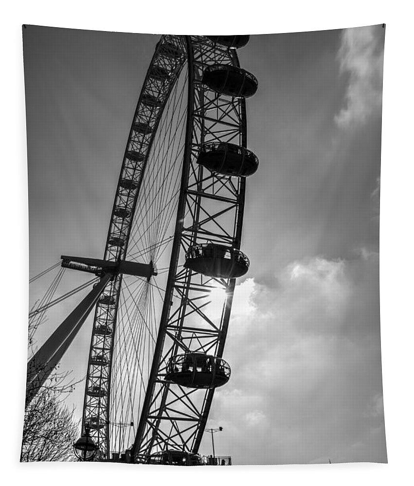 London Eye Tapestry featuring the photograph The London Eye by David Pyatt