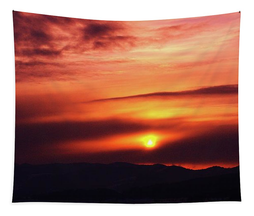Sunsets Tapestry featuring the photograph A Slow Sunset   by Jeff Swan