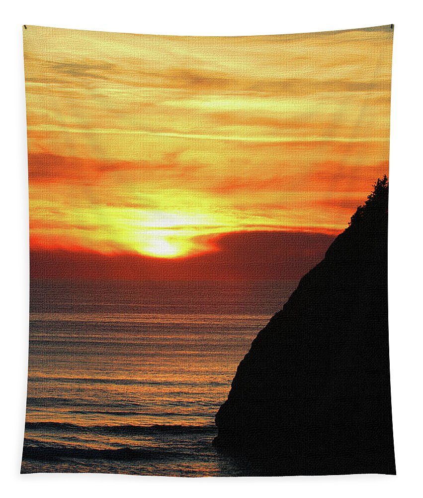 Agate Beach Oregon Tapestry featuring the photograph Agate Beach Oregon by Tom Janca