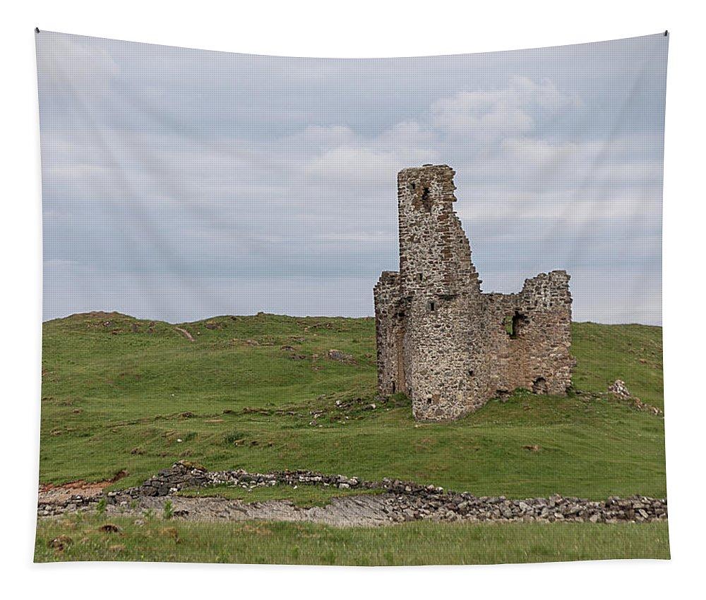 Ardvrek Tapestry featuring the photograph Ardvrek Castle 0947 by Teresa Wilson